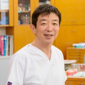 記事監修・丸山医師の写真